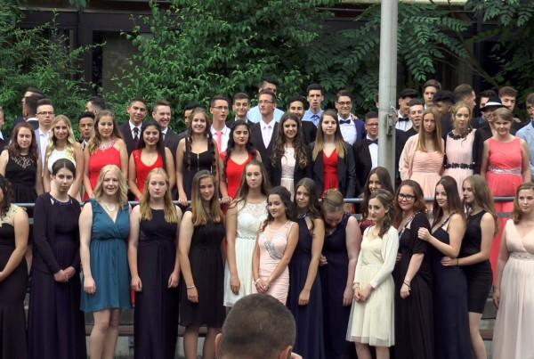 Gruppenfoto Abschlussjahrgang - Mitte