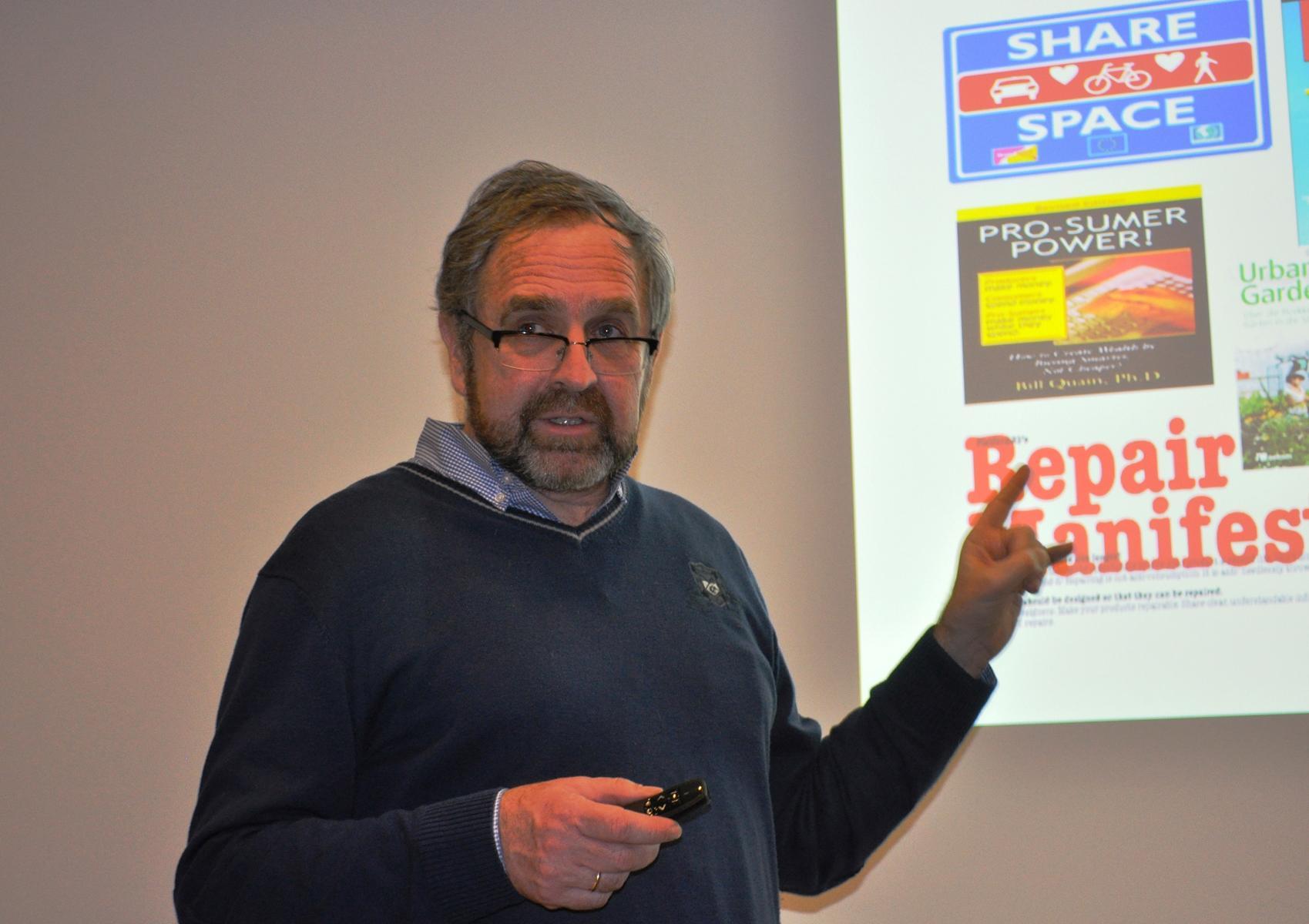 Sowi-Kurse besuchen Vortrag der LIGA Lünen zum Thema Ökologischer Fußabdruck